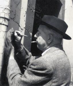 El poeta francès Jacques Prevert, durant la seua estada a Eivissa, la primavera de 1936, va escdriure els poemes de <em>Lumière d´hommes</em>.