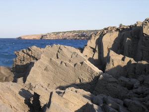 Vénda de sa Punta. Antiga pedrera de marès a la zona de s´Abeuradeta, al cantó NO de la vénda. Foto: Vicent Ferrer Mayans.