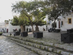 A la plaça del Sol, dalt del portal Nou, hi havia l´edifici de sa Quartera, que fou destruït per un incendi a mitjan s. XIX. Foto: Felip Cirer Costa.