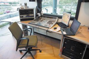 Estudi de Radio Diario, que inicià les seues emissions el 2006, a l´edifici de <em>Diario de Ibiza</em>, a l´avinguda de la Pau de la ciutat d´Eivissa. Foto: Josep Lluís Bofill Mercadé.