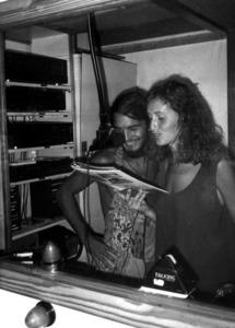 Estudi de Ràdio Uc, al carrer de Bes, emissora alternativa i autogestionada. Foto: Francesc Lluy Torres.