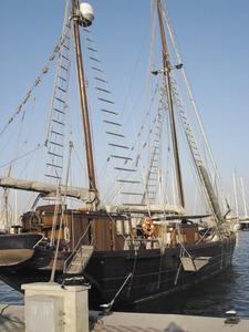 El vaixell Rafael Verdera aparellat de goleta de dos pals i dedicat a la navegació turística. A la fotografia està amarrat al port de Palma. Foto: Felip Cirer Costa.