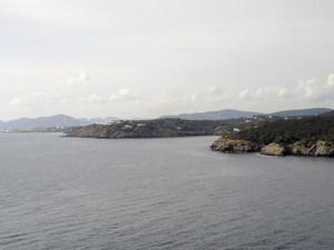 La punta d´en Ribes, entre cala Mestella i cala Llenya, a la costa de Sant Carles de Peralta. Foto: Felip Cirer Costa.