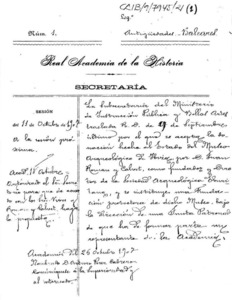 Carpeta de l´expedient de 1907 pel qual s´acceptava la donació a l´Estat del Museu Arqueològic d´Eivissa feta per Joan Roman Calbet i es creava una fundació protectora sota la direcció d´un patronat, al qual hi havia de tenir representació la Reial Acadèmia de la Història.