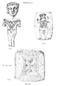 Figures de materials de la campanya de 1929 realitzada a la necròpolis des Puig des Molins per Carles Roman Ferrer.