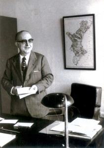 El lingüista valencià Manuel Sanchis Guarner va fer estudis sobre el dialecte eivissenc i visità les Pitiüses diverses vegades. Extret de <em>Josep Pla-Joan Fuster</em>.
