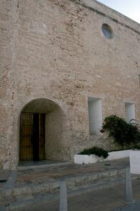 Sant Antoni de Portmany. La porta de la part posterior de la nau, oberta ja al s. XX. Foto: EEiF.