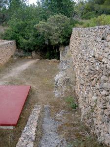 Municipi de Sant Antoni de Portmany. Entrada a la capella catacumbària de Santa Agnès, que fou declarada monument historicoartístic nacional. Foto: EEiF.