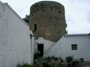 Sant Carles de Peralta. La torre i el conjunt arquitectònic d´Atzaró. Foto: Felip Cirer Costa.