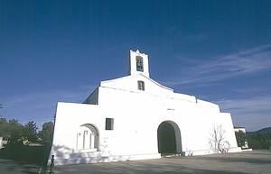 Municipi de Sant Joan de Labritja. L´església de Sant Llorenç, aixecada els últims anys del s. XVIII. Foto: Josep Buil Mayral.