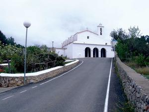 Sant Mateu d´Albarca. L´església del poble, començada el 1785 i finalitzada deu anys després. Foto: Marta Tur Tur.
