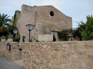 Edifici de la capella de Santa Agnès, la volta de la qual es finalitzà el 1744, encara que mai no s´ha dedicat al culte. Foto: Felip Cirer Costa.