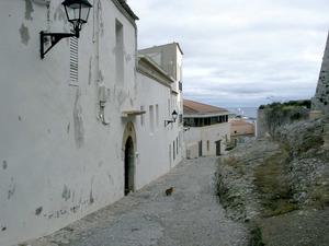 El carrer de Santa Maria, a Dalt Vila. Foto: Felip Cirer Costa.