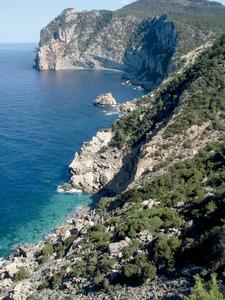 La cala d´en Sardina, a la costa de Santa Agnès de Corona. Foto: Felip Cirer Costa.