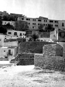 La construcció prismàtica de base octogonal és coneguda amb el nom de torre des Seminari. Foto: Arxiu Històric Municipal d´Eivissa.