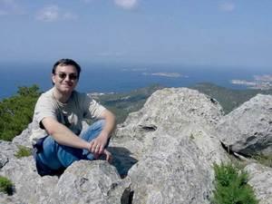 El professor, escriptor i músic amateur Rafel Serra Costa. Foto: Teresa Marí Marí.
