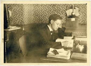 Fotografia del professor Manuel Sorà Bonet feta a Madrid l´abril de 1927. Foto: cortesia de la família Sorà.