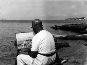 Manuel Sorà Bonet tenia vocació per la pintura; a la fotografia, pintant a la costa del caló des Moro, Sant Antoni de Portmany. Foto: cortesia de la família Sorà.