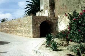Entrada superior des Soto Fosc. Foto: extret de <em>Breve historia y guía de las murallas de Ibiza</em>.