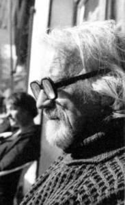 El galerista Ivan Spence, que entre el 1961 i el 1975 va dirigir la galeria que duia el seu nom, al carrer Major de Dalt Vila. Foto: extret d´<em>Eivissa, anys 60. El naixement de Babel.</em>