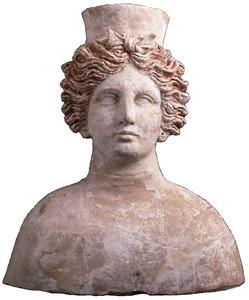 Bust hel·lenístic atribuït a la deessa púnica Tanit. Foto: Museu Arqueològic d´Eivissa i Formentera.