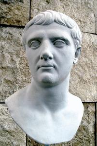 Bust de l´emperador Claudi Neró Tiberi.
