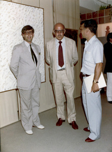 """El promotor musical Joan Antoni Torres Planells, amb Carlos Blanes, president de """"Sa Nostra"""", i l´alcalde d´Eivissa, Joan Prats, el 1981, a la inauguració de la Sala de Cultura de """"Sa Nostra""""."""