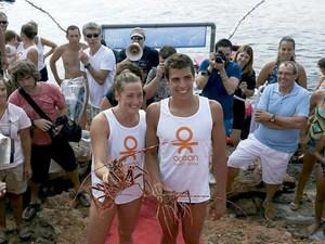 Els guanyadors de l´edició de 2013 de la Travessia cova de ses Llagostes, Mireia Belmonte i Alberto Parrilla. Foto: cortesia de Trijasa.