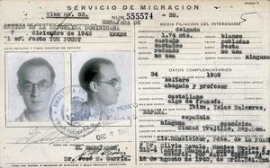 Targeta d´identificació de Just Tur Puget –Corb– expedida per l´ambaixada de Mèxic a la República Dominicana el 7 de desembre de 1943. Foto: arxiu familiar.