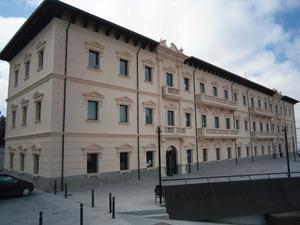 Edifici de l´antiga Comandància Militar, que el Consell d´Eivissa cedí el 2012 a la Universitat de les Illes Balears com a seu d´Eivissa. Foto: EEiF.