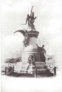 Monument al general Joaquín Vara de Rey y Rubio. Foto: Hauser y Menet / Arxiu Històric Municipal d´Eivissa.