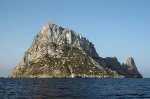 Es Vedrà forma part de la Reserva Natural des Vedrà, es Vedranell i els Illots de Ponent. Foto: Carmen Bonet Verdera.