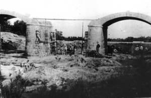 El pont Vell de Santa Eulària hagué de ser reparat el 1918 després d´una avenguda torrencial d´aigua. Foto: Raymar / Semblances pitiüses.