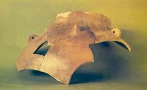 Edat del bronze. Fragment de vas globular amb coll i anses, trobat a la cova des Riuets. Foto: cortesia del Museu Arqueològic d´Eivissa i Formentera.