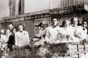 La rua del darrer dia de Carnaval, l´any 1936. Foto: arxiu particular de Neus Riera Balanzat.