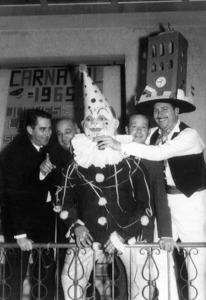 Imatge de la celebració del dijous llarder l´any 1965. Foto: arxiu particular de Neus Riera Balanzat.