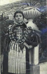Les joies o prendres acostumaven a ser part del dot que rebien les núvies de les Pitiüses. Arxiu de Cultura Popular.