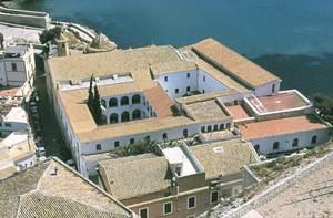 El convent dels pares dominics, que durant quatre segles ha albergat diverses escoles. Foto: Vicent Marí.