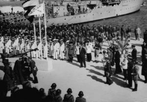Franquisme. Desembarcament del general Francisco Franco l´octubre de 1955 al port d´Eivissa, en ocasió de la coronació de Santa Maria de les Neus, patrona d´Eivissa. Foto: cortesia de l´Arxiu Històric Municipal d´Eivissa.