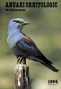 Portada de l´<em>Anuari ornitològic de les Balears</em>, on apareix un exemplar de gaig blau.