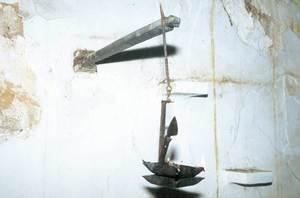 El gresol és un llumener d´oli, també conegut com de quatre becs. Foto: Antoni Ferrer Abárzuza.