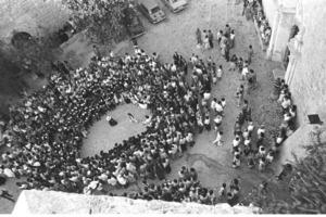 Grup de ball pagès actuant a la plaça de la Catedral. Foto: Josep Buil Mayral.