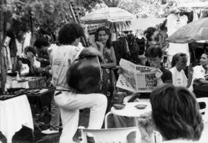 En un sentit estricte, la presència del moviment hippy a les Pitiüses abraça el període 1968-71, encara que després continuà la seua influència en la societat illenca. Foto: extret d´<em>Arquitectura y espacio rural en Ibiza</em>.