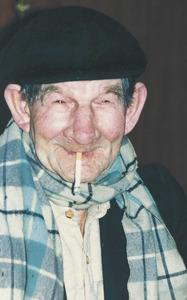 "Iai, forma dialectal emprada per referir-se a una persona vella. Foto: Vicent Ribas ""Trull""."