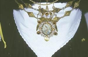Un altre exemplar de joia. Foto: cortesia del Museo Etnològic d´Eivissa i Formentera.