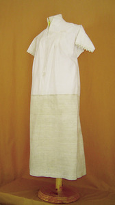 Una camisa de drap amb el cos refet de lli. Foto: Catalina Sansano Costa.