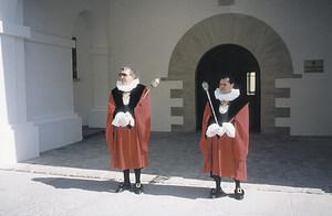 El macer tenia com a obligació obrir el pas als jurats de la Universitat d´Eivissa; també acostumava a fer de pregoner. Arxiu Històric Municipal d´Eivissa.