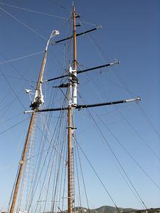 El masteler, perxa més prima que s´uneix verticalment al pal. Foto: Felip Cirer Costa.