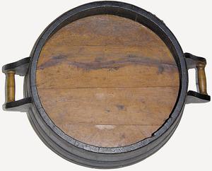 Mesures per a àrids: mitja quartera. Cortesia del Museu d´Etnografia d´Eivissa.