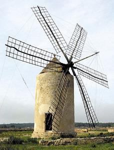 El molí Vell de la Mola, un bell exemple de molí de vent. Foto: Joan Josep Serra Rodríguez.